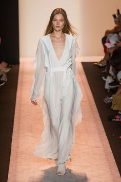 BCBG Max Azria Spring 2015 Ready-to-Wear