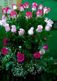 1 million+ Stunning Free Images to Use Anywhere Beautiful Flowers Pictures, Beautiful Rose Flowers, Flower Pictures, Amazing Flowers, Rose Flower Wallpaper, Flowers Gif, Large Flower Arrangements, Good Morning Flowers, Flower Boxes
