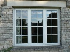 The appropriately named flush casement window sees the frame and window sash sitting itself flat across the outer surface when the window is closed. Aluminum Windows Design, Casement Windows, Timber Windows, Window Styles, House Windows, Window Grill Design Modern, Modern Windows, Windows Exterior, Window Design