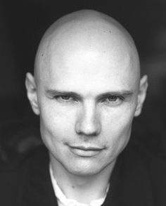 Ok, so the article isn't complimentry, but I liked the pic. And after seeing Billy Corgan play last week I was reminded of his brilliance and feel that he deserves a place with 'My Heroes'.