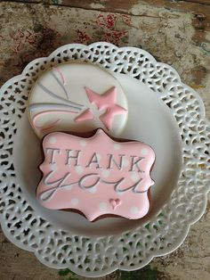 Thank you Sugar Cookies (message cookie ideas) Thank You Cookies, Fancy Cookies, Iced Cookies, Cute Cookies, Cupcake Cookies, Cookie Icing, Royal Icing Cookies, Cookie Cutters, Iced Biscuits