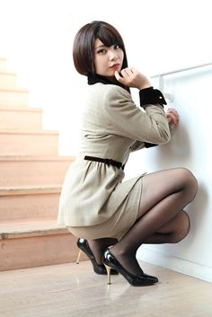 Pantyhose Outfits, In Pantyhose, Hidden Beauty, Photography Poses Women, Control Unit, Beautiful Ladies, Leather Heels, Asian Woman, Pretty Girls