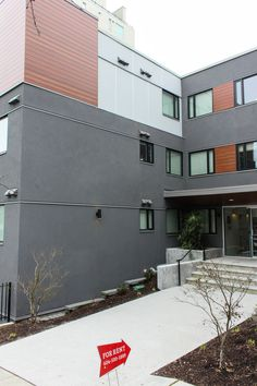 Show me a residence and I'll show you the personality of its owner. Featuring stucco, Longboards, fiber cement panels and EasyTrim Reveals clear (silver) anodized trims, this residence tells me the occupants are high-end folks with high-end tastes. Good for them! #EasyTrimRevealsWhoWeAre Panel Systems, Longboards, Cement, Sims, Personality, Fiber, Architecture, Gallery, Outdoor Decor