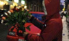 La Schiavitù del Lavoro: Como: caccia aperta a venditori di rose e disagiat...