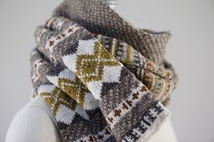 Ravelry: jgourmet's kimmswick. Love the colors and pattern!