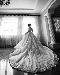 Next inspiration: one breathtaking dress that will surely make you the queen of the day! We are truly bedazzled by the extravagant ball gown skirt with royal-length train that builds a majestic mood. Altogether with the off-shoulder feature and lush floral appliqué this piece breathes a feminine and romantic vibe! Who's in love as much as we are? Put your hands up!  Photography by @ruslan_arslanbekov / Model @sakinat.rabdanova / Dress by @humariffofficial by thewedlist