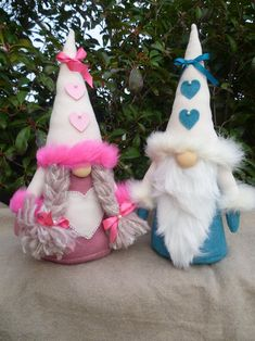 Shabby-chic couple of gnomes hearts gnomes Swedish Christmas Gnome, Christmas Crafts, Christmas Ornaments, Girl Gnome, Patchwork Heart, Scandinavian Gnomes, Making Ideas, Shabby Chic, Swedish Tomte