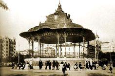 1923. Kiosco de música en el paseo del Pintor Rosales, frente a la desembocadura de la calle de Marqués de Urquijo