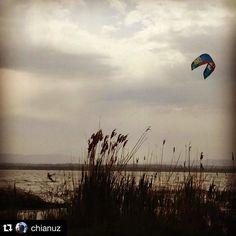 #Repost @chianuz  10mesi dopo...siamo di nuovo in acqua #trasimeno #trasimenolake #kite #kitesurfing #instagood #instagram #north #love #phototheday #beautiful #me #instalike #style