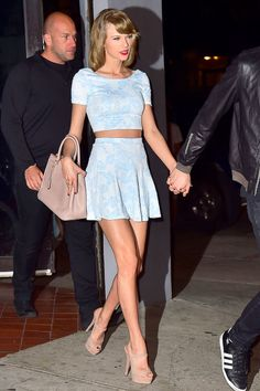 Taylor Swift and Calvin Harris leave L'asso restaurant in New York City on May 26, 2015.