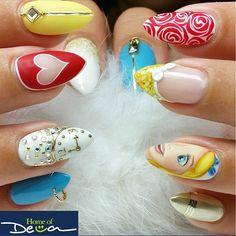 "Nail Art Inspired by Disney's ""Alice in Wonderland"""