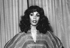 Donna Summer, disco era Queen - RIP gave way to the battle of cancer at 63 Summer Hairstyles, Braided Hairstyles, Musica Disco, Some Girls, Popular Culture, Classic Beauty, American Singers, Music Artists, Beautiful People