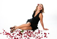 Jeune fille et roses Fashion Beauty, Roses, Gallery, Pictures, Image, Daughter, Photos, Pink, Photo Illustration