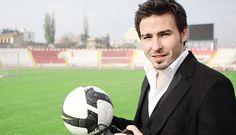 """Adrian Cristea a declarat, luni, ca nunta Biancai Dragusanu a avut loc din ambitie, nu din dragoste. Roscata ar fi dorit, astfel, sa ii demonstreze fotbalistului ca o """"ia cineva"""". """"Printul"""" a"""