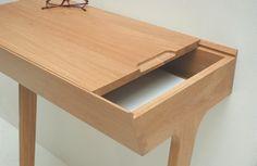 Quello Table / Phil Procter