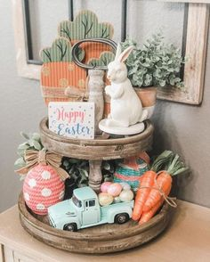 Tiered tray décor ideas for farmhouse style décor would be a fun way to use the extremely versatile tiered trays. Below find some inspirational 3 tier stand decorating ideas. Kitchen Tray, Kitchen Decor, Galvanized Tray, Tiered Stand, Diy Easter Decorations, Hoppy Easter, Farmhouse Style Decorating, Tray Decor, Easter Crafts