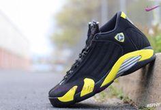 meet fbd4d aeaa3 vendita scarpe online prezzi bassi Uomo-Donna Nero Giallo AIR JORDAN 14  RETRO Thunder 487471-070 · Jordan XivNike Basketball ...