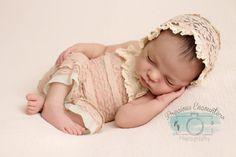 ROMPER / BONNET / TIEBACK : dusty pink knit romper, cotton lace trim, newborn bonnet, newborn romper, bonnet, baby photography, photo prop