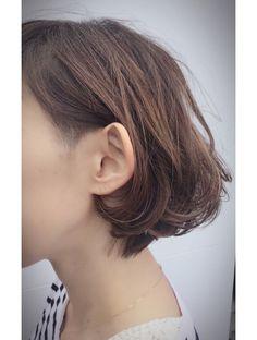 クブヘアー(kubu hair)《kubu hair》グレイカラーデザインボブ