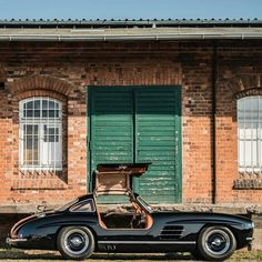 Why this Mercedes-Benz 300 SL 'Outlaw' shouldn't be exiled Mercedes Benz 300, Top Chop, Sultan De Brunei, Classic Cars, Magazine, Friends, Vintage, Instagram, Autos