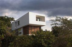 Prisma flotante - Noticias de Arquitectura - Buscador de Arquitectura