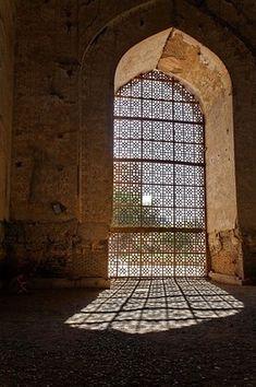 Alamy Bibi-Khanym Mosque, Samarkand, Uzbekistan by Robert Preston