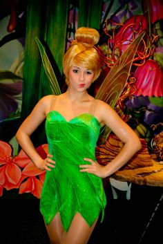 Tinker Bell at Pixie Hollow in the Magic Kingdom at Walt Disney World Tinkerbell And Friends, Peter Pan And Tinkerbell, Tinkerbell Fairies, Peter Pan Disney, Disney Fairies, Disney Princess Tattoo, Punk Princess, Cute Cosplay, Cosplay Girls