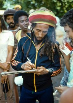 **Bob Marley** 56 Hope Road, Kingston, Jamaica, 1979. More fantastic pictures, music and videos of *Robert Nesta Marley* on: https://de.pinterest.com/ReggaeHeart/ ©Bernd Messner