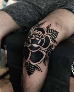 Black rose inked on the left knee by tattooist Alejo GMZ Black rose inked on the left knee by tattooist Alejo GMZ Elbow Tattoos, Leg Tattoo Men, Ankle Tattoo, Arm Band Tattoo, Above Elbow Tattoo, Traditional Black Tattoo, Traditional Tattoo Old School, Traditional Tattoo Design, Tattoos For Guys