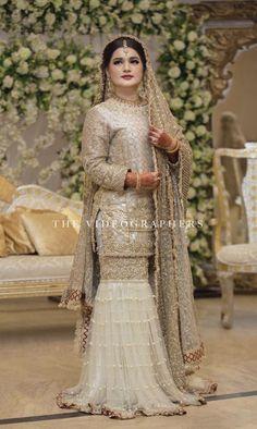 Dulhan Dress, Nikkah Dress, Shadi Dresses, Pakistani Formal Dresses, Pakistani Wedding Outfits, Pakistani Dress Design, Latest Bridal Dresses, Bridal Outfits, Suits