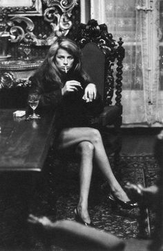 Charlotte Rampling by Helmut Newton 1973 http://www.setteroftrends.com #fashion #styleicons #style