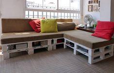 הנה רעיון ליצירת פינת ישיבה כיפית ופשוטה להכנה המבוססת על רפסודות עץ! את הפינות ניתן למקם בבית או בחוץ, במרכז קהילתי או בבית נוער. ההנאה מובטחת.