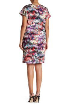 Maggy London Short Sleeve Linear Abstract Shift Dress (Plus Size)