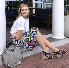 GLAM-riadó: újranyitnak a vidéki Deichmann üzletek Rita Ora, Ford, Gucci, Glamour, Shoulder Bag, Bags, Fashion, Handbags, Moda