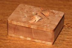 Scrollsaw Workshop: Free scroll saw pattern. Jewelry Box with basic 3D cut leafs.
