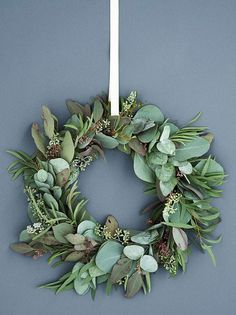 6 beautiful wreaths for the door- 6 smukke kranse til døren 6 beautiful wreaths for the door - Advent Wreath, Diy Wreath, Christmas Party Decorations, Christmas Ornaments, Holiday Decor, Xmas Wreaths, Door Wreaths, Christmas Mood, Scandinavian Christmas