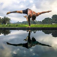 You are the mirror that manifests your reality. @dylanwerneryoga . Follow @yogalooksgood for more 💛