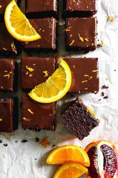 Chocolate Ganache Frosting, Choco Chocolate, Chocolate Ganache Cake, Chocolate Topping, Chocolate Flavors, Delicious Cake Recipes, Yummy Cakes, Easy Recipes, Dessert Recipes