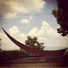 Parentesi scultorea #AlTrasimeno foto di @ paraihc