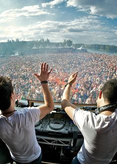 What a view! #dj #party #festival #summer