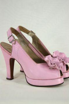 Good Vintage Make Me SMILE :D #vintage #PrettyBabies #heels 40s platform spectator pumps pink 40s flower