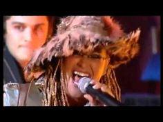 ▶ Anastacia & Jamiroquai - Bad Girls - who can help but love Jamiroquai 80s Music, Music Love, Jay Kay, Before Running, Bad Girls, Sound & Vision, Great Bands, Anastasia, Dreadlocks