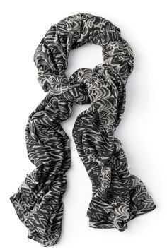 Add a twist to a classic outfit or wrap up your fall look with our luxurious printed scarves. With myriad ways to wear it—twisted, double-up, wrapped, tied—it may very well be your most versatile wardrobe piece for fall. www.stelladot.com/wendyayer