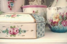 Floral China by such pretty things, via Flickr