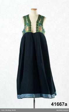 Folk Costume, Costumes, Viking Age, Traditional Outfits, Sweden, Vikings, Silk, Boho, Formal Dresses