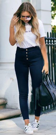 That Pommie Girl Black And White Casual Day Fall Inspo