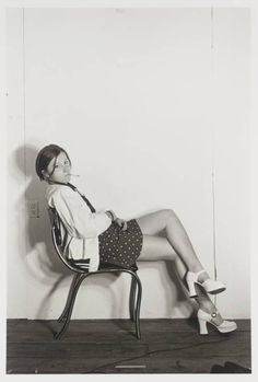 View Untitled Bus Rider I by Cindy Sherman on artnet. Browse upcoming and past auction lots by Cindy Sherman. Annie Leibovitz, Stephen Shore, Ellen Von Unwerth, Cindy Sherman Art, Cindy Sherman Film Stills, Cindy Sherman Photography, Untitled Film Stills, Nova Jersey, Modern Feminism