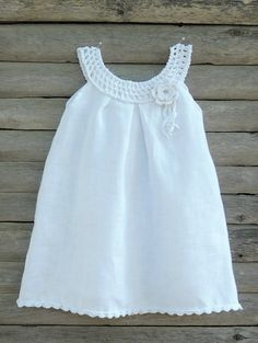 This is an original handmade organic summer set 0-6 years with crochet snow-white collar and trim. It is made from organic certificated OEKO-TEX®