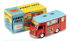 Corgi Toys 426 Karrier Chipperfields Circus Mobile Booking Office