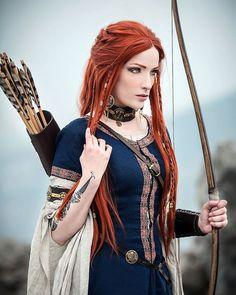 45 Cool Halloween Costume Ideas for Women Fantasy Photography, Portrait Photography, Archery Photography, Female Elf, Elfa, Beautiful Red Hair, Viking Warrior, Viking Queen, Viking Art